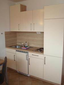 Küche/Küchenzeile in der Unterkunft Möwe