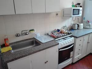 Una cocina o kitchenette en Colon Apartment