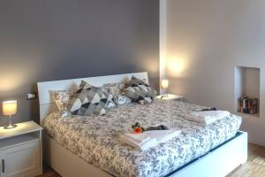 Ein Bett oder Betten in einem Zimmer der Unterkunft Vanessa Apartment