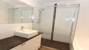 A bathroom at Regatta 3 - On The Lake- Little Street