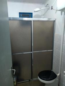 A bathroom at Sítio das Amoras