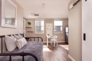 A seating area at SD Sunny Studio Sleeps 4