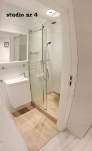 A bathroom at KarlikowskaINN