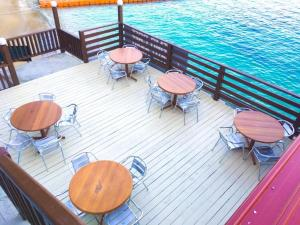 A restaurant or other place to eat at Perhentian Nemo Chalet