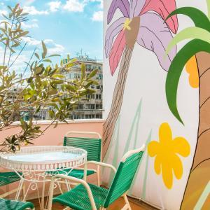 Balkón nebo terasa v ubytování The Caravan