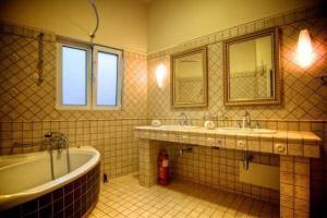Ένα μπάνιο στο Villa Alkisti & Villa Artemi