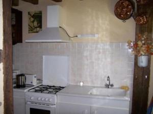 Cuisine ou kitchenette dans l'établissement House Moulins le carbonnel - 6 pers, 85 m2, 3/2 2
