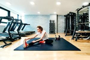 The fitness centre and/or fitness facilities at CitySuites Aparthotel