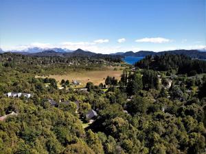 Una vista aérea de Blue Bird House