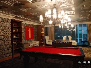 A pool table at GOTOPHI @ The Knightsbridge Residences Studio 5819