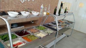 Opções de café da manhã disponíveis para hóspedes em Condado Aldeia dos Reis 114 e 213