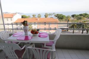 A balcony or terrace at Le Carras
