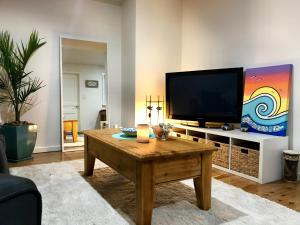 A television and/or entertainment centre at Little Hacienda - Port Lincoln