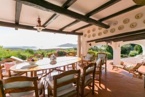 A restaurant or other place to eat at Villa Porto Cervo centro