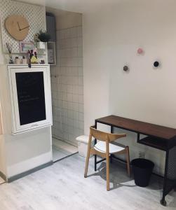 A kitchen or kitchenette at Studio Toulouse Centre Patte d'Oie