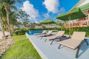 The swimming pool at or near The Joy Beach Villas