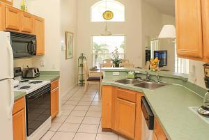 A kitchen or kitchenette at Pelican