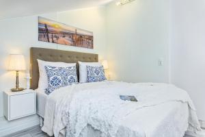 Postel nebo postele na pokoji v ubytování Tallinn City Harbour Apartments