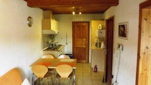 A kitchen or kitchenette at Mosel Panorama