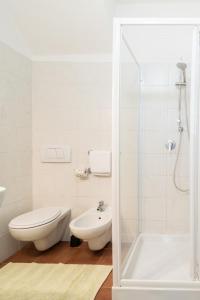 A bathroom at Appartamento Giovanna
