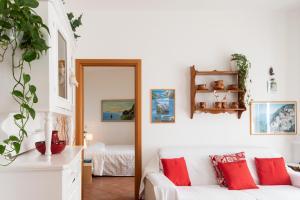 A seating area at Appartamento Giovanna
