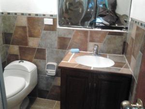 Un baño de Furnished Mountain View Apartment in cusco