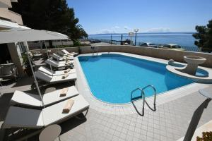 The swimming pool at or near Villa Verica