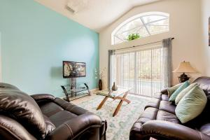 A seating area at Lovely 4 bedroom home at Terra Verde