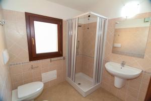 A bathroom at Bilocale Corte di Gallura