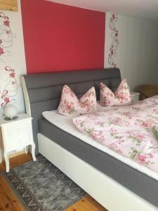 Ein Bett oder Betten in einem Zimmer der Unterkunft Ferienwohnung Gürth
