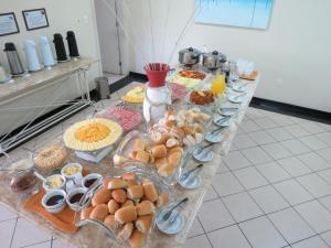 Opciones de desayuno disponibles en Holiday Florianópolis - 146B