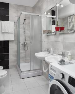 Vonios kambarys apgyvendinimo įstaigoje Moodeight Apartments