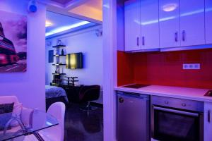 A kitchen or kitchenette at Luxury appartment in Chios centre