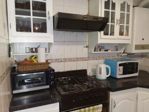 Una cocina o kitchenette en la Morada