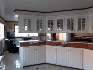 A kitchen or kitchenette at Bonne View Villa