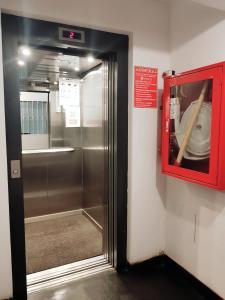 A bathroom at terrapartment