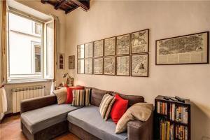 A seating area at Trastevere Santa Cecilia Guest House