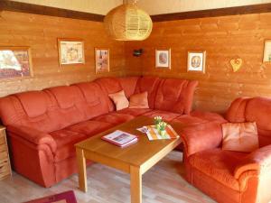 Ein Sitzbereich in der Unterkunft Holiday Home Altes Land.3