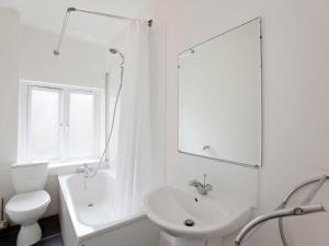 A bathroom at Apartment Flat 9