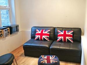 A seating area at Apartment Flat 9