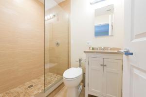 A bathroom at Sonder — Winthrop Square