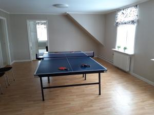Ping-pong facilities at Hotellvägen 2 or nearby