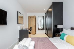 Greenwich London Meridian 객실 침대