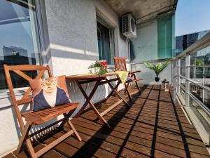 Parveke tai terassi majoituspaikassa Daily Apartments- Viru Sunny Studio with Balcony