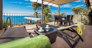 A balcony or terrace at Apartments Figarola