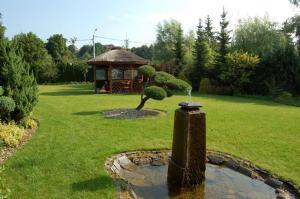 Сад в Dworek nad Radunią