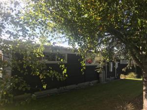 สวนหย่อมนอก Opuke House