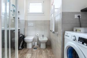 A bathroom at Residenza Pamphili Roma