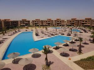 A view of the pool at Malibu Elsokhna Chalet or nearby