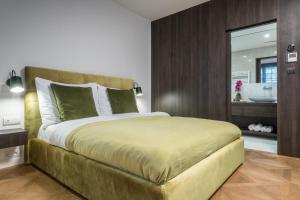 Cama ou camas em um quarto em Exclusive Old Town residence near Charles Bridge